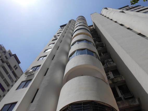 Apartamento En Venta La Trigaleña Valencia Cod 20-10221akm
