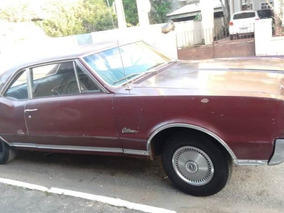 Oldsmobile Cutlass Supreme 1967 Sedan 2 Portas *