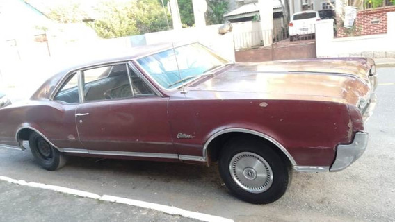 Oldsmobile Cutlass Supreme 1967 Sedan 2 Portas *