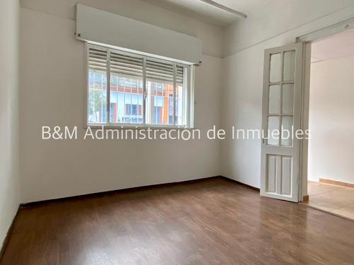 Imagen 1 de 10 de Alquiler Casa 2 Dormitorios En La Comercial.