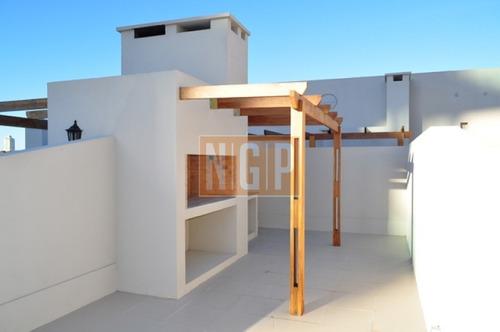 Lindisimo Edificio Con Todos Los Servicios-ref:10146