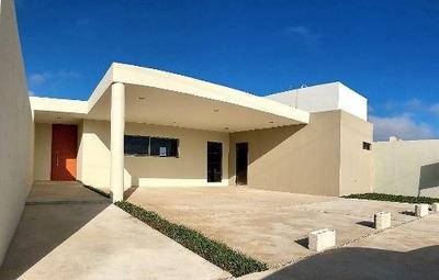 Vive En Mérida, Casa De Una Planta Con Amplio Terreno Y Alberca, Dzityá.