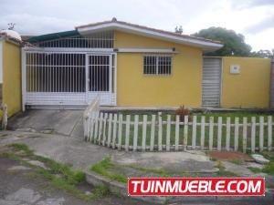 Casas En Venta Flor Amarillo Valencia Carabobo 19-15417 Rahv