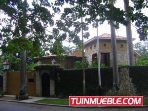 Casa En Venta En Guaparo Valencia 19-13358 Mpg