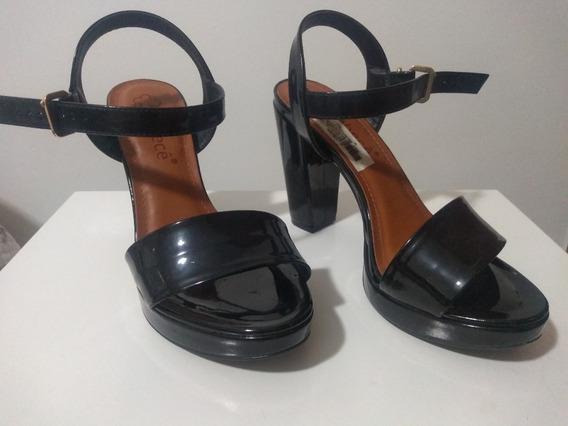 Sandália Em Verniz Bebecê N°35