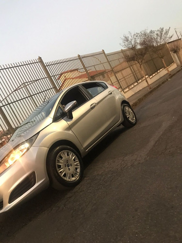 Imagem 1 de 8 de Ford New Fiesta Hatch