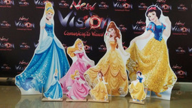 Kit Display Princesas Disney 3 Pç 90cm + 6 De Mesa + Painel