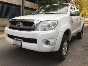 Toyota Hilux 2.7 Cabina Doble Se Mt 2010