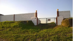 Terreno 795 Mt2 Rodeado De Muros En Paysandu.