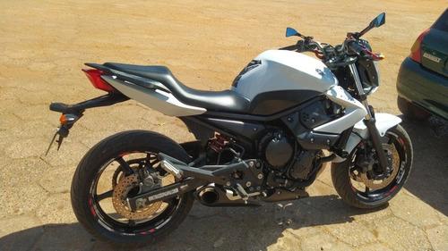 Imagem 1 de 8 de Yamaha Xj6
