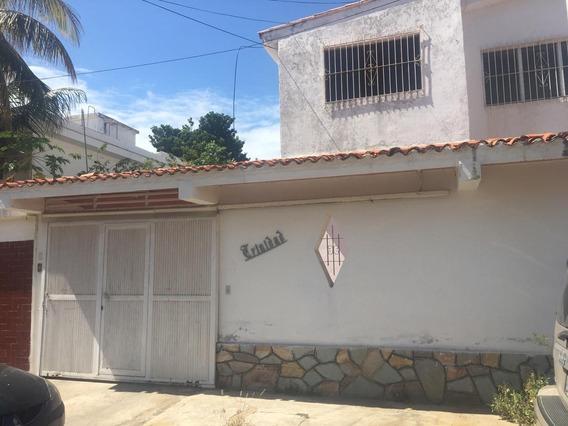 Casa En Alquiler En Las Colinas De Catia La Mar Ca-clm001