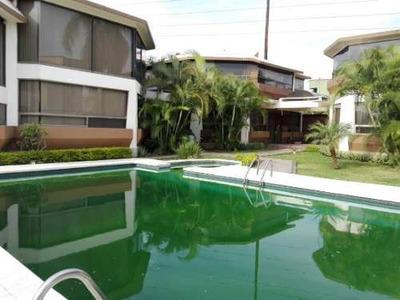 Casa En Condominio En Real Hacienda De San José Sumiya / Jiutepec - Ber1-536-cd