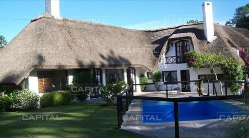 Casa Rincon Del Indio - 6 Dormitorios- Ref: 25325