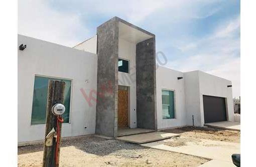 Se Vende Bonita Residencia De 1 Planta Misión De Los Lagos