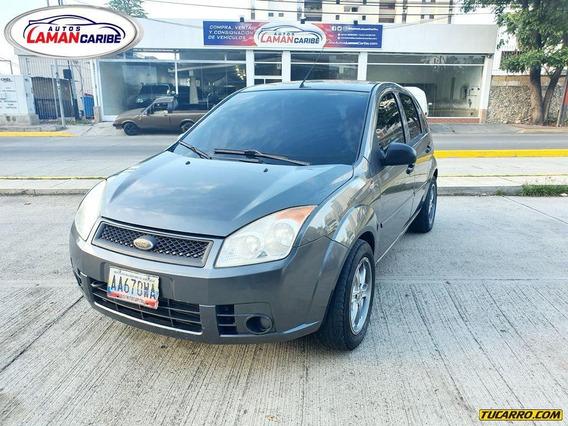 Ford Fiesta Max Automatico