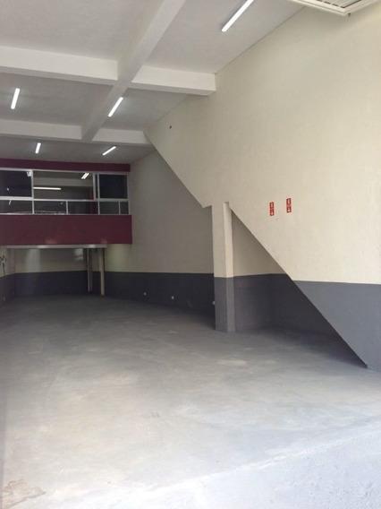 Galpão Com Pé Direito De 4,5m Com 135m2 Incluindo O Mezanino, Mais Sobreloja Com 3 Salas. - Mi70008