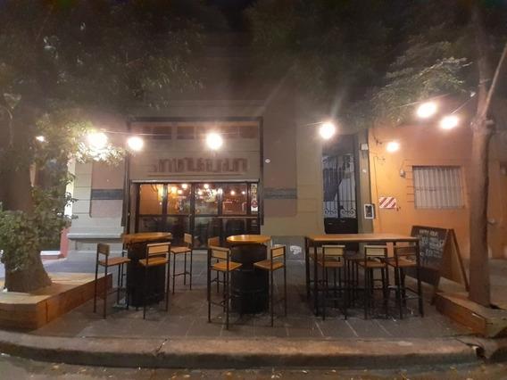 Hermoso Y Rentable Bar A Cuadras De Cabildo Y Congreso