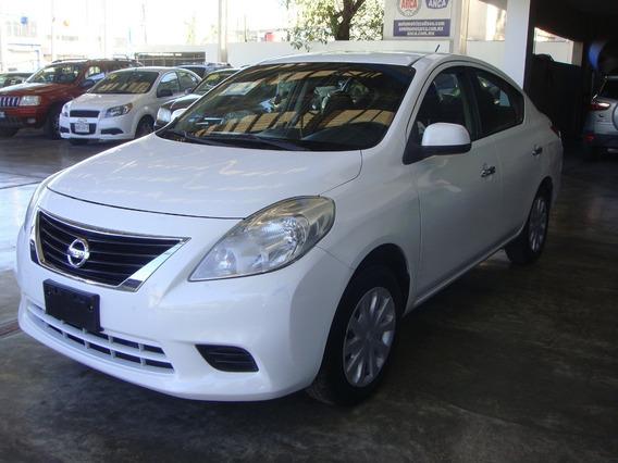 Nissan Versa Sense 2012