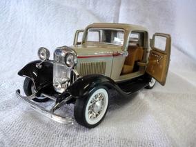 Miniatura Do Ford 3 Window Coupe 1932 1\30