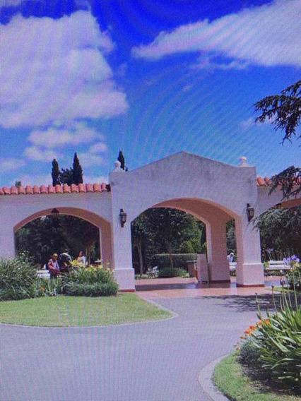 Parcela En Cementerio Privado Parque Colonial