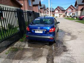 Peugeot 207 Compact 2010