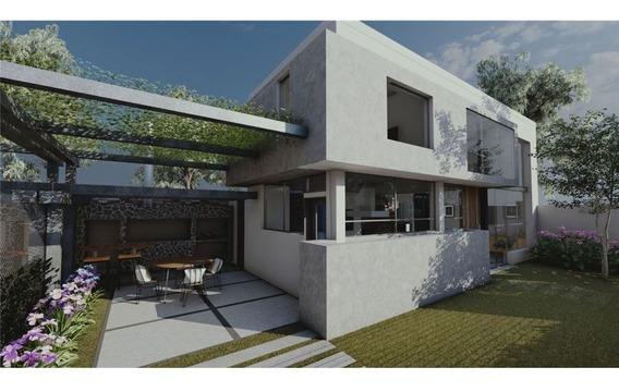 Duplex Tipo Casa En Venta, En Construcción