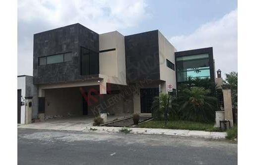 Casa En Venta En Residencial Los Portales, A Un Lado De Portal Del Norte En Zuazua Oportunidad De Inversion