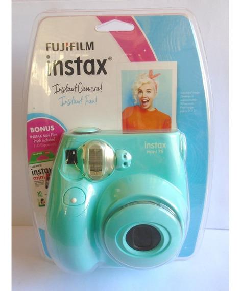 Cámara Instantánea Fujifilm Instax Mini 7s + 10 Impresiones