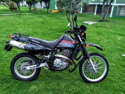 Moto Suzuki Dr 650 Negra
