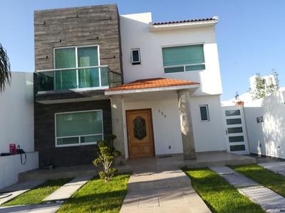 Amplia Casa, Excelente Oportunidad, Centro Estado