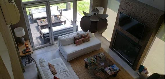 Casa En Venta Con Renta 4 Ambientes En Barrio Santa Maria De Los Olivos, Malvinas Argentinas