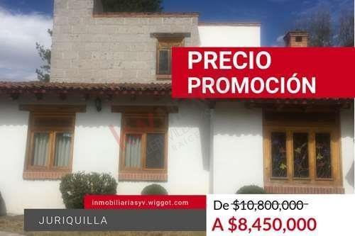 Casa En Venta Con Alberca, En El Corazón De Juriquilla, Colindancia Al Campo De Golf, Calle Abierta, Una Planta