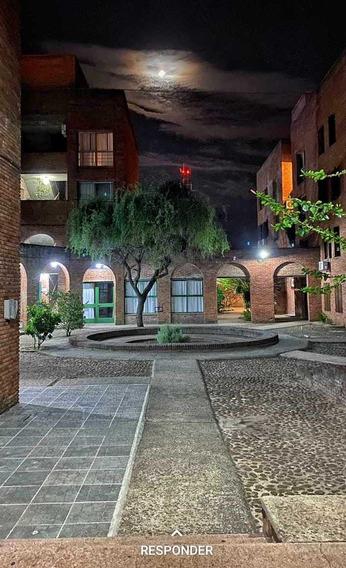 Espacioso Y Muy Seguro Apartamento Amueblado En El Centro.
