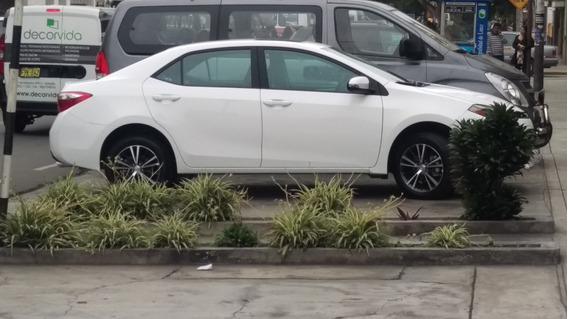 Toyota Corolla 2016 Mecánico Versión Premium Color Blanco