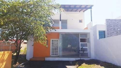 Casa Nueva Al Norte De Villa De Álvarez