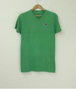 Camiseta Gola V Hollister - Tamanho G (veste M)