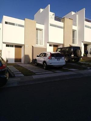 Casa Seminueva En Renta_ Fracc. Punta Esmeralda