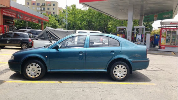Skoda Octavia Motor 2.0 Año 2004 Color Azul Muy Buen Estado.