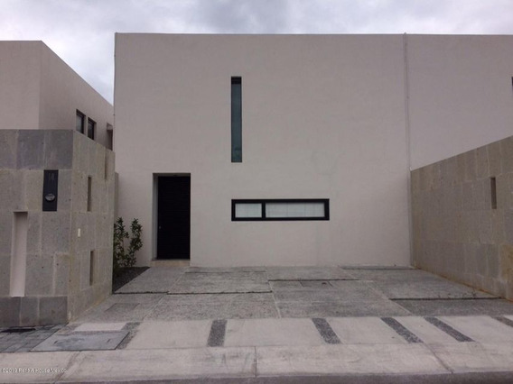 Casa En Renta En Zibata, El Marques, Rah-mx-21-247