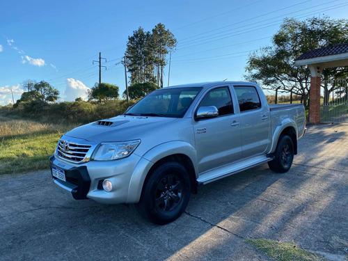 Toyota Hilux Srv 3.0 (permuto)