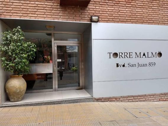 Moambiente En Alquiler En Nueva Córdoba, Sobre Bv. San Juan