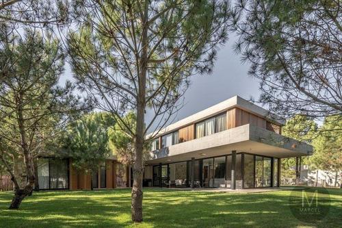 Imagen 1 de 30 de Casa En Venta - 6 Ambientes - Barrio Privado - La Herradura Pinamar - Nuevas Condiciones !!