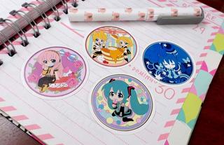 Set De 4 Stickers Circulares De Anime Vocaloid Miku Hatsune