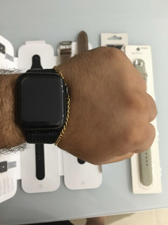 Apple Watch Series 4 Space Gray Aluminum Case 44mm + Brindes