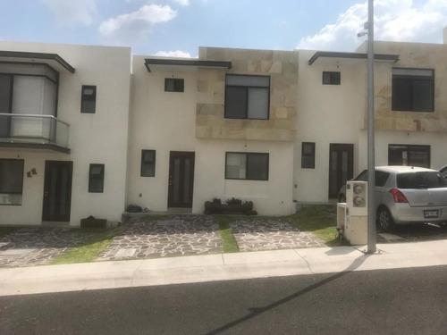 Imagen 1 de 14 de Casa De 3 Hab. Con Inquilino En Cumbres De Juriquilla