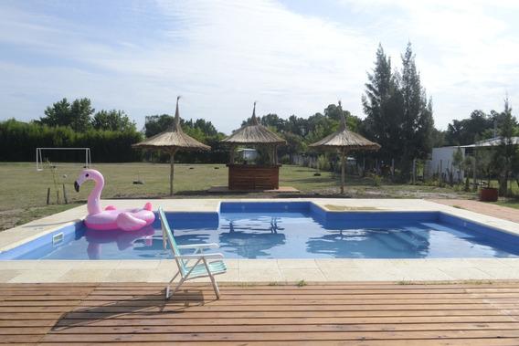 Hermosa Quinta Estilo Casa De Campo. Con Pileta Y Solarium.