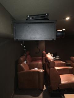 Proyector Para Cine Grande Dlp Titan 1080p-500 Con Lente