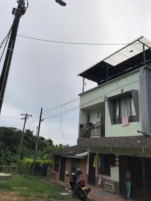 Casa De Tres Pisos Independientes Con Todos Los Servicios