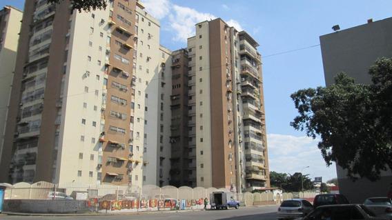 Apartamento En Venta En Parque Aragua 19-8771 Mcm