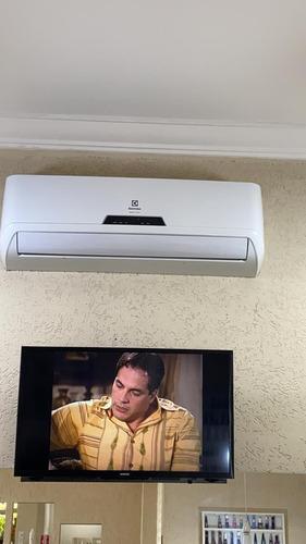 Imagem 1 de 5 de Instalação De Ar Condicionado Split